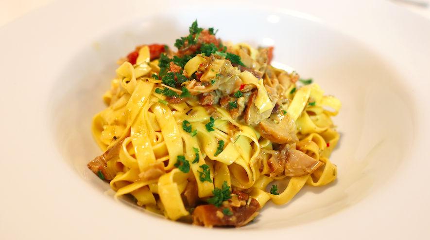 Pasta mit Steinpilzen und Salsiccia